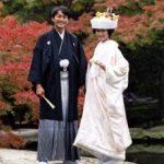 相良刺繍の気品漂う美しい白無垢に日本古来の文金高島田に角隠しで凛としたイメージ!色打掛は洋髪にされました。